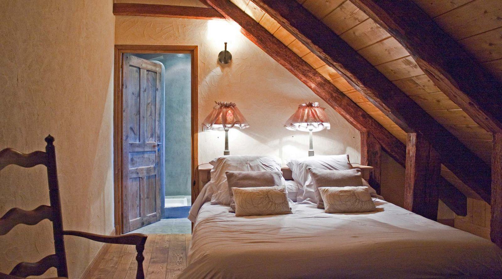 """Chambre """"Auvergne"""" Auberge du Puy Mary Auberge AIJEAN dans le cantal"""